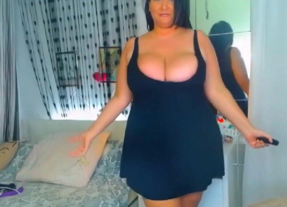 Tits curvy big Big tits