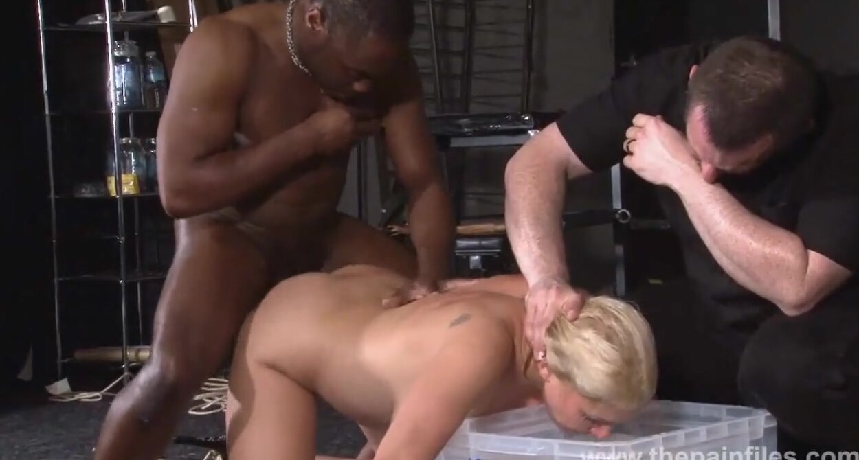Mother shows son pussy