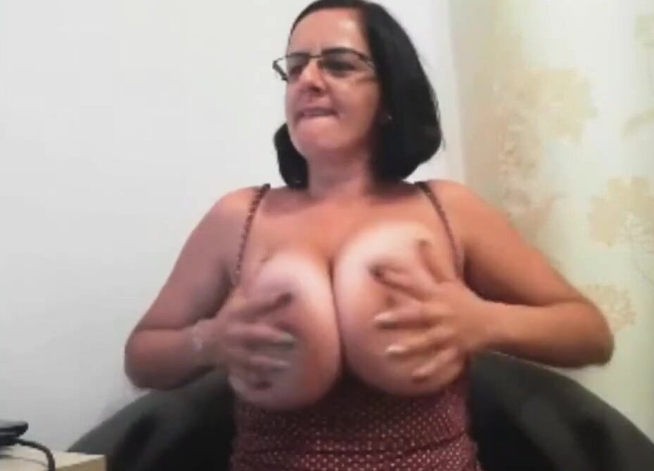 Mature milf huge natural tits Mature Milf With Huge Natural Boobs Free Porn Sex Videos Xxx Movies